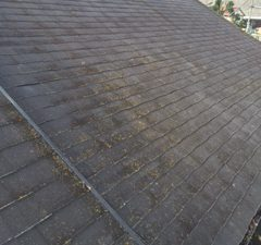 屋根の塗装と業者について